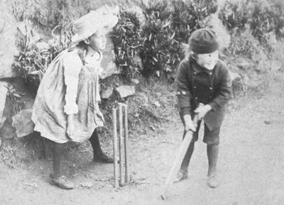 Virginia and Adrian Stephen play cricket in Cornwall, ca. 1886